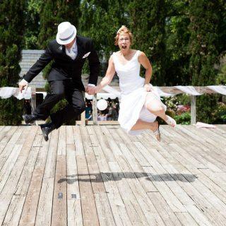 http://www.joshuarcraig.net/wp-content/uploads/2013/06/2012.05.26-Zahn-Wedding-JoshuaRCraig-697-320x320.jpg